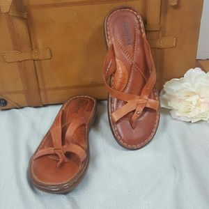 Born | Sz 8 Leather Strap Flat Cush Insole Sandals